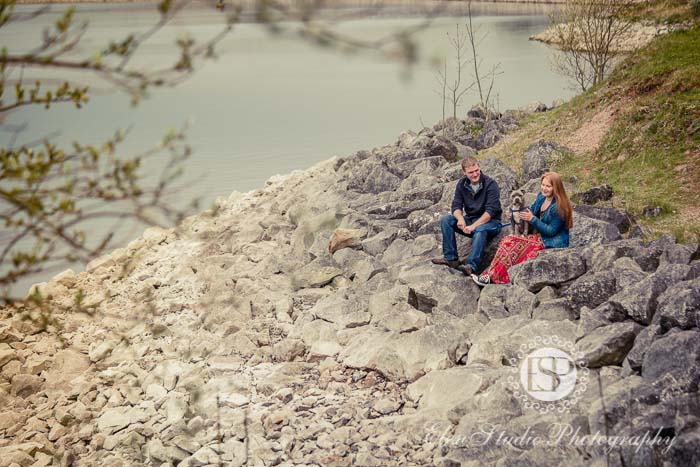 Foremark-Reservoir-Engagement-photos-with-dog-J&J-Elen-studio-photography--01