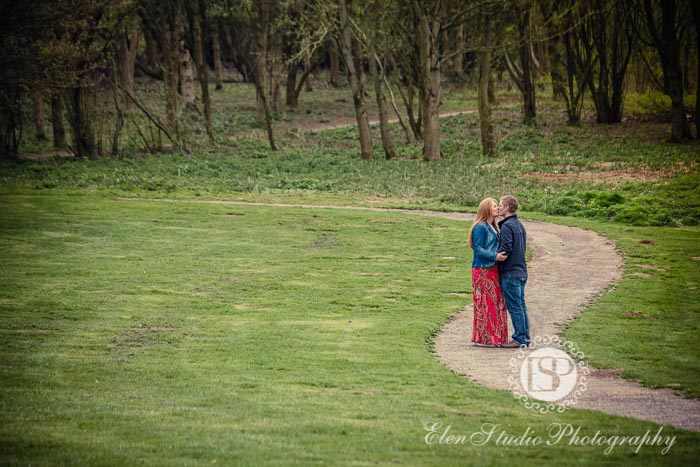 Foremark-Reservoir-Engagement-photos-with-dog-J&J-Elen-studio-photography--04