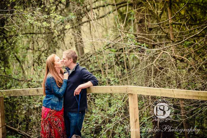 Foremark-Reservoir-Engagement-photos-with-dog-J&J-Elen-studio-photography--08