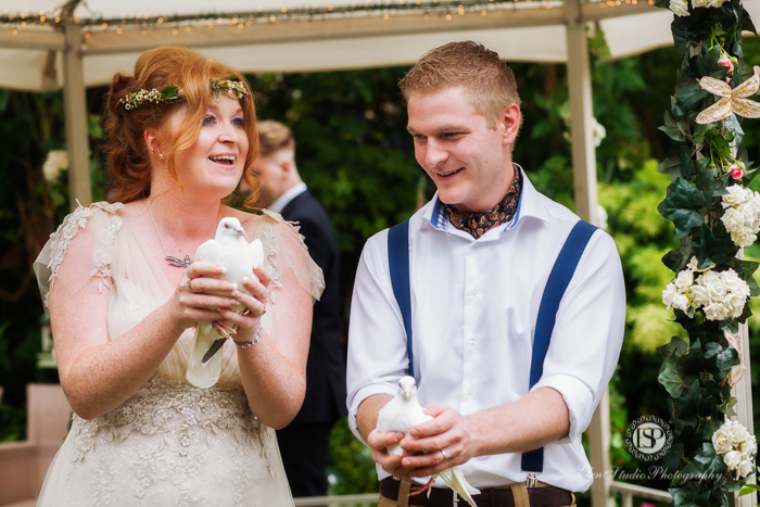 summer-garden-wedding-belper-jj-elen-studio-photography-12